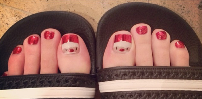 Katy Perry Santa pedicure header